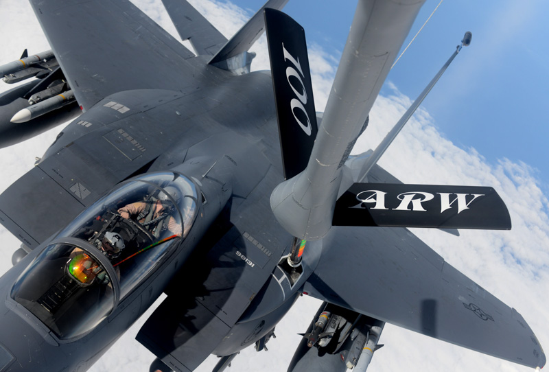 Air-Refueling-Wing-refuels-photo-image.jpg