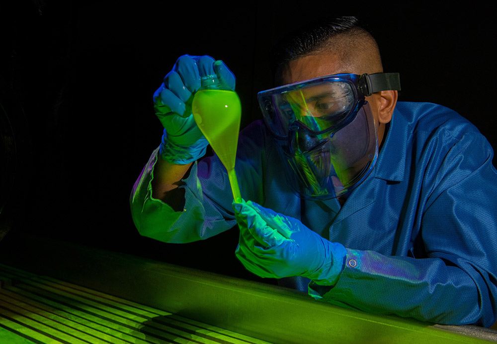 inspections-technicianruns-a-magnetic-particle-concentration-test.jpg