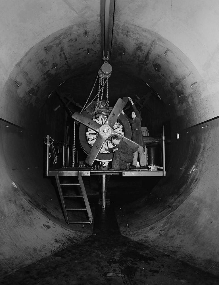 pratt-and-whitney-airplane-engines-1942-2.jpg
