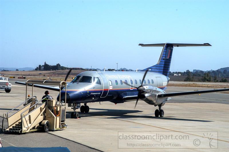turboprop-short-haul-airliner-8990b.jpg