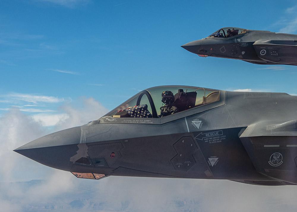 us-air-force-celebrates-raaf.jpg