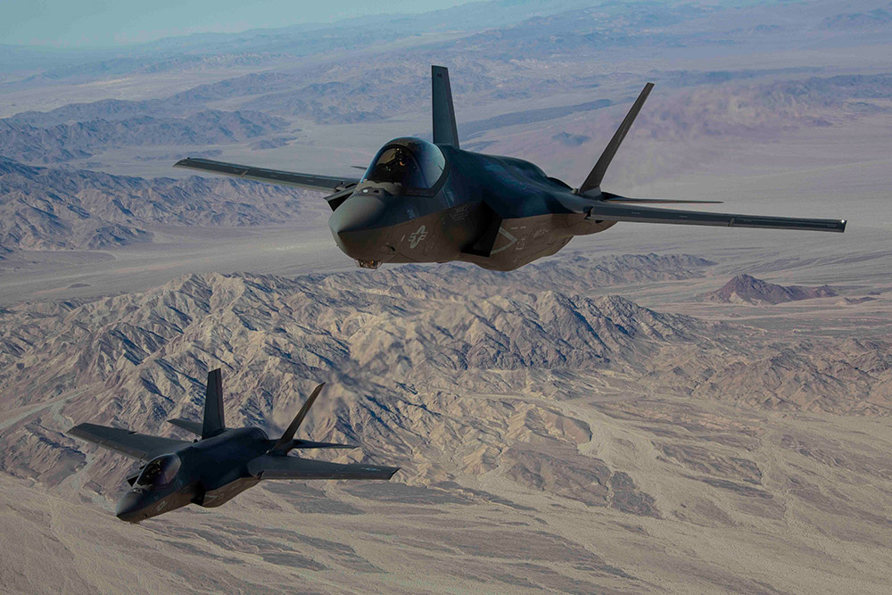 us-marines-with-marine-fighter-attack-squadron.jpg