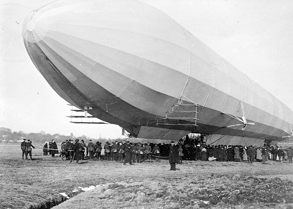 blimp-zeppelin-no3-on-ground-surrounded-with-people.jpg