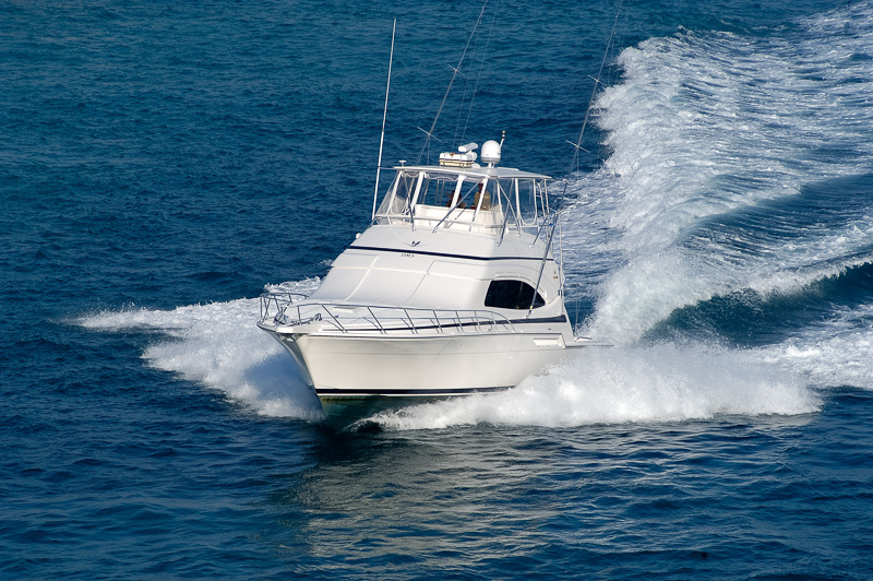 Pleasure-boat-off-coast-miami-florida-photo-4245.jpg