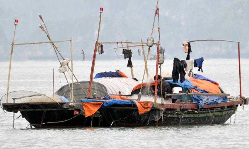 halong_bay_117-boat.jpg