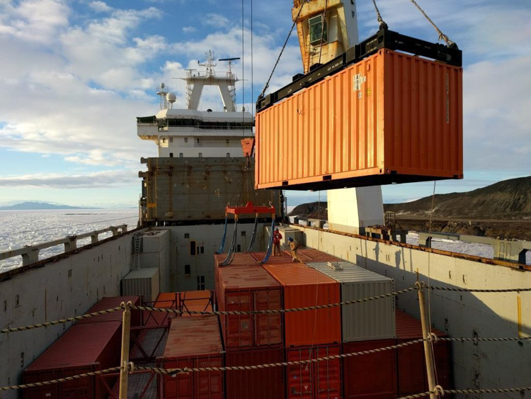lift-a-container-off-the-ship-and-on-to-mcmurdo-station-antarctica-787-photo.jpg