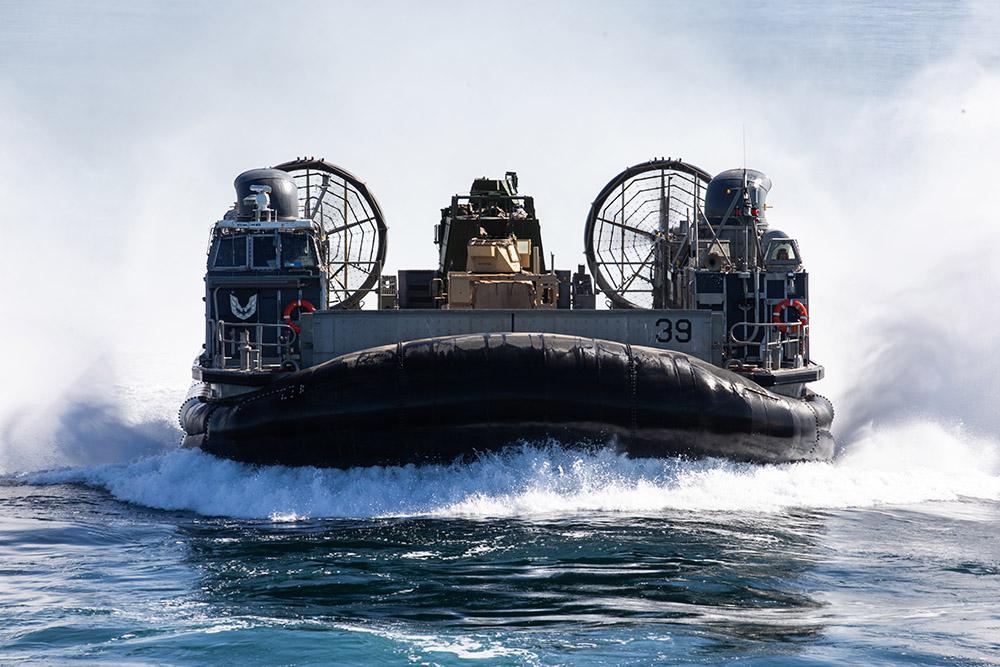 navy landing craft air cushion 39.jpg