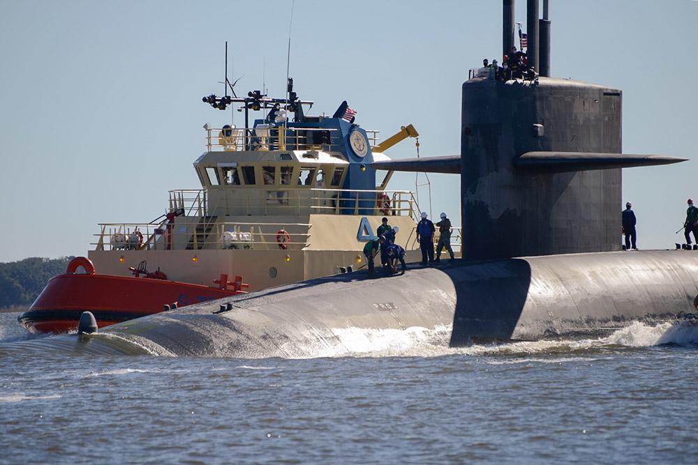 the ohio-class ballistic-missile submarine uss tennessee.jpg