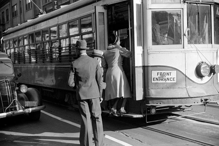 people-boarding-streetcar-atlanta-georgia-1939.jpg