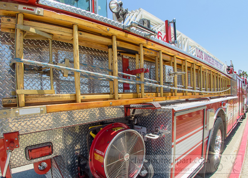 side-view-fire-truck-with-ladder-los-angeles-Photo-8673.jpg