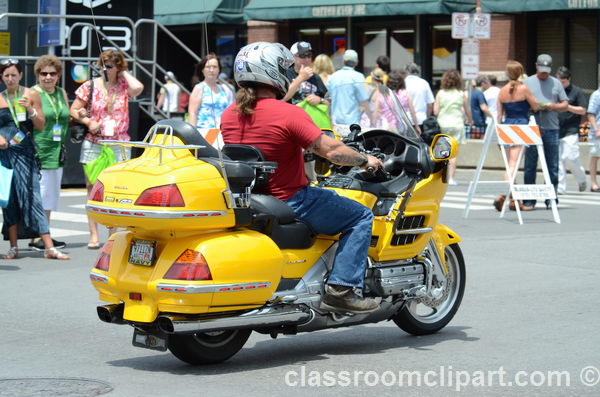 motorcyle_yellow_downtown_nashville_9542A.jpg