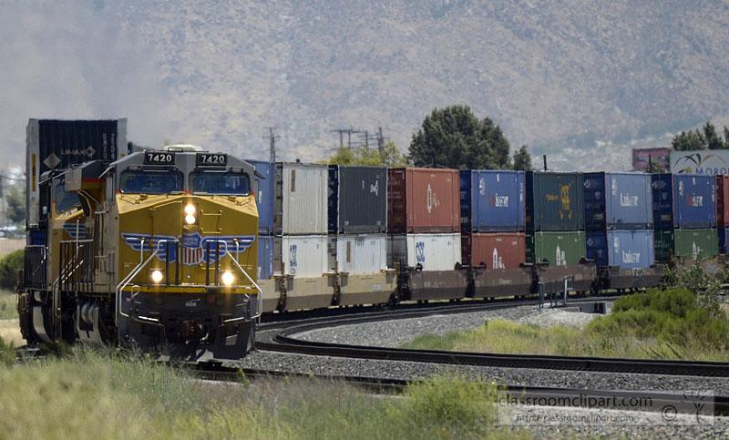 frieght-train-9541A.jpg