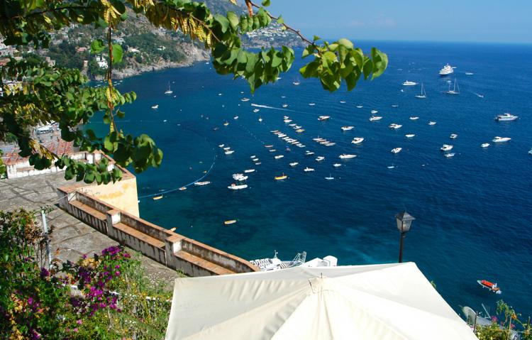 boats-docked-in-the-blue-sea-incredibly-unique-amalfi-coast-photo-3264.jpg