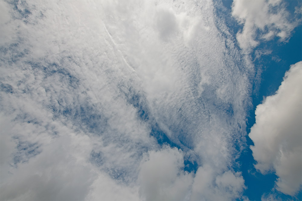 patterns-of-cumulus-louds-in-a-blue-sky-2655.jpg