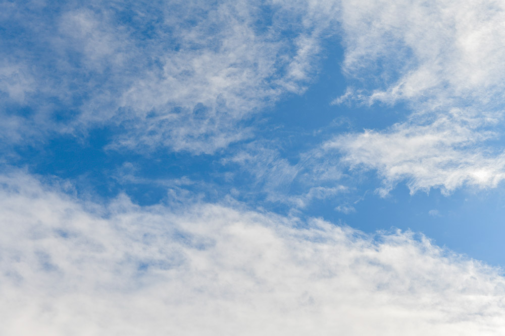 wispy-while-clouds-on-sunny-winter-day-7841.jpg