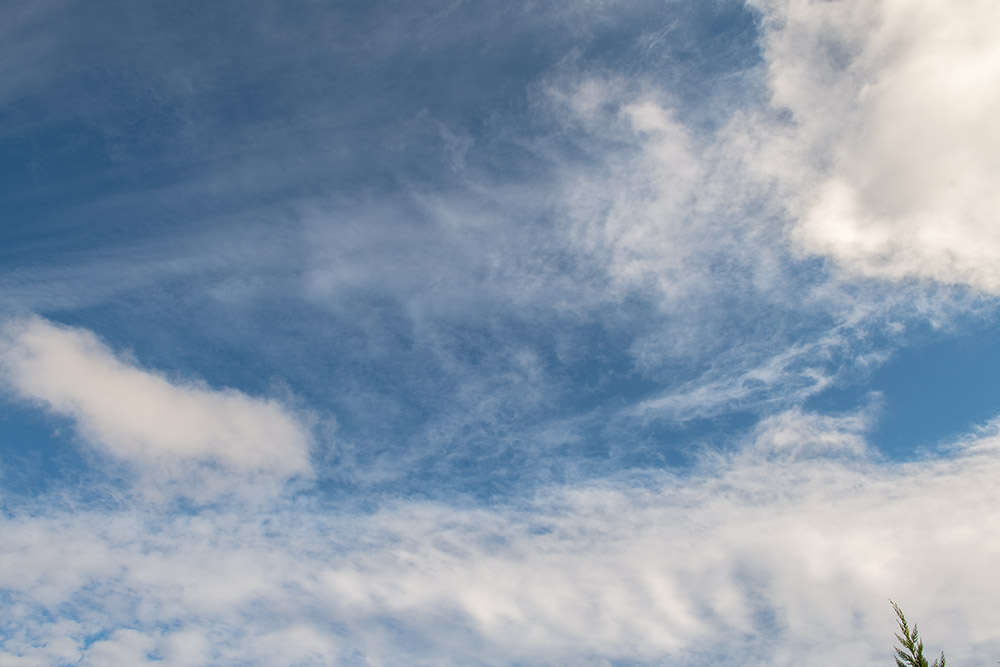 wispy-while-clouds-on-sunny-winter-day-7845.jpg
