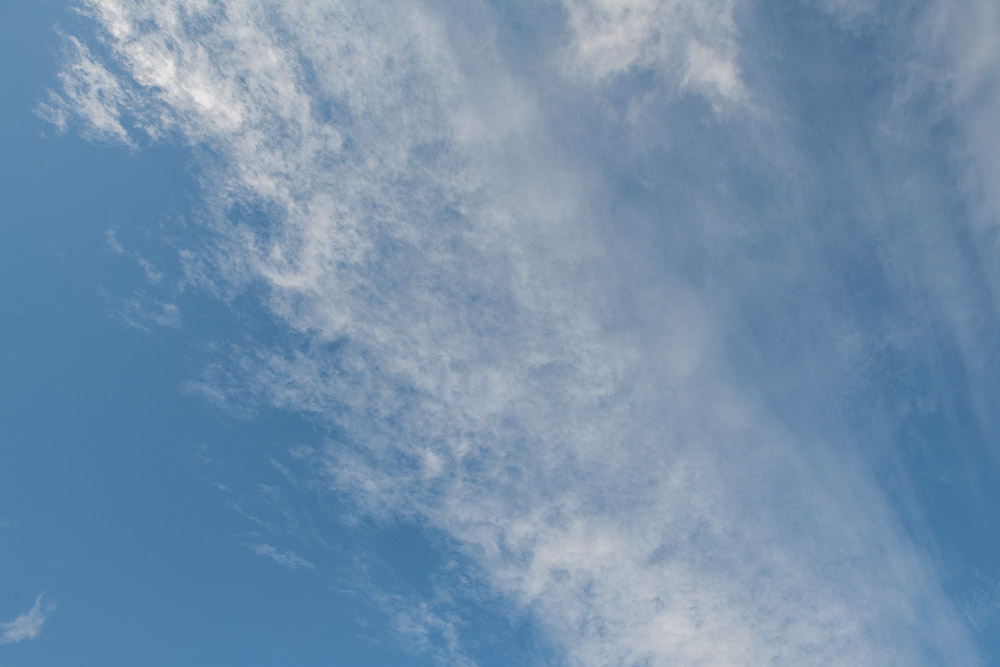 wispy-while-clouds-on-sunny-winter-day-7846.jpg