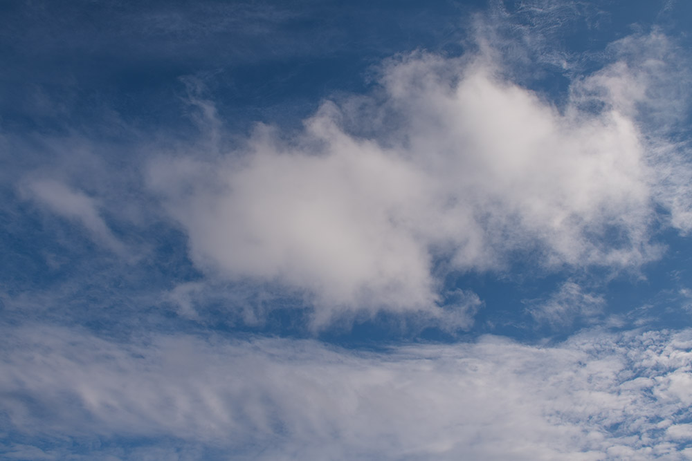 wispy-while-clouds-on-sunny-winter-day-7849.jpg