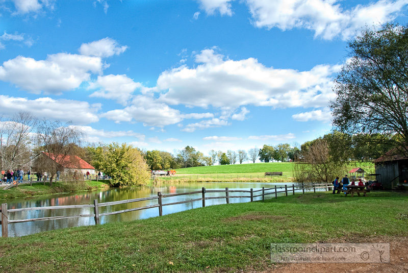 scenic-farm-lake-Fall_10_09_47.jpg