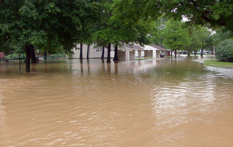 major-flooding-after-heavy-rains-breeched-nearby-protective-levees-005-photo.jpg