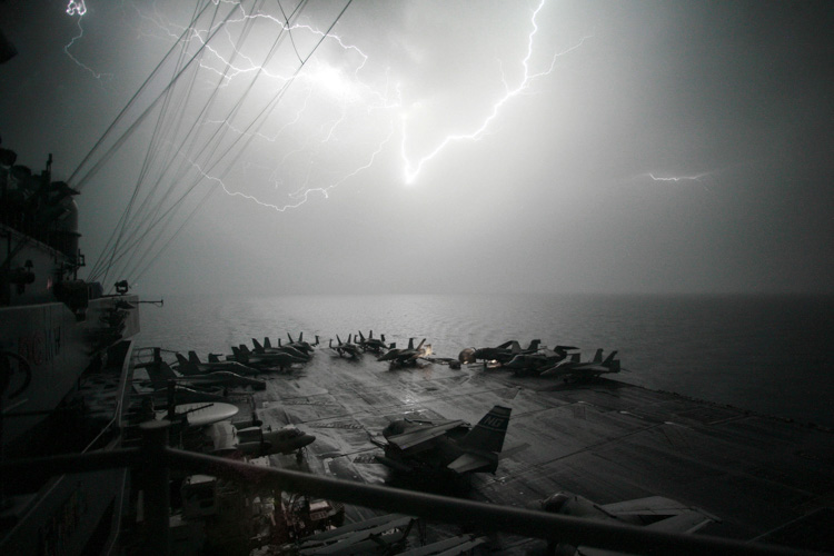 lightning-storms-persian-gulf-067-photo.jpg
