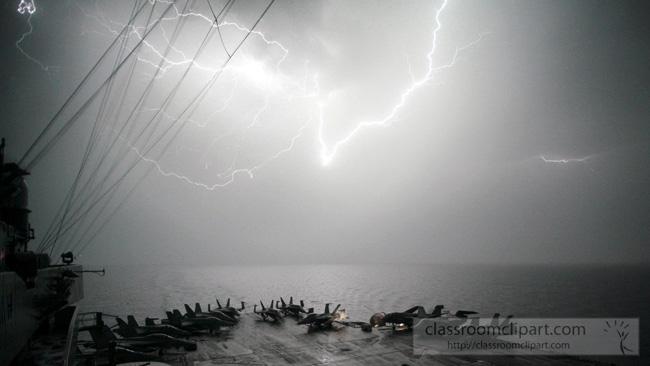 lightning_0328071.jpg