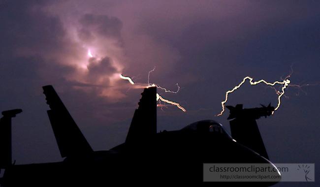 lightning_0407092.jpg