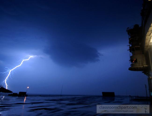 lightning_0502061.jpg