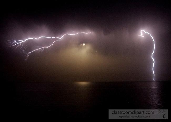 lightning_0505041.jpg