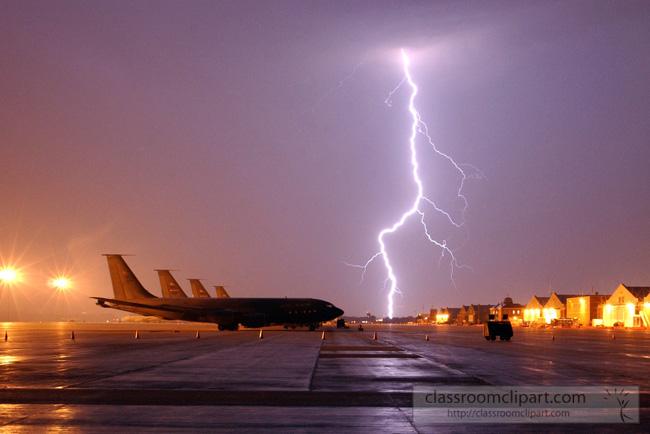 lightning_0803041.jpg