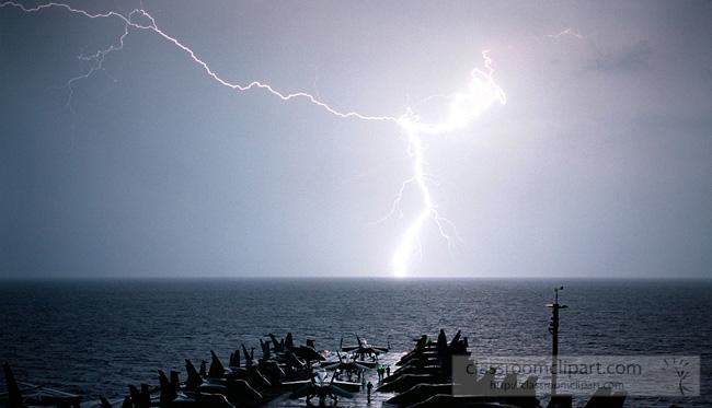 lightning_1101021.jpg