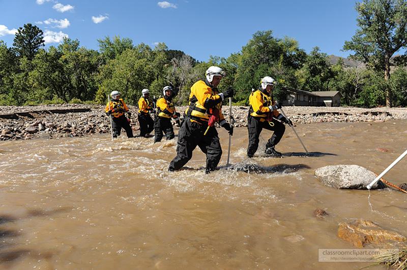 flood_search_rescue_team_317.jpg
