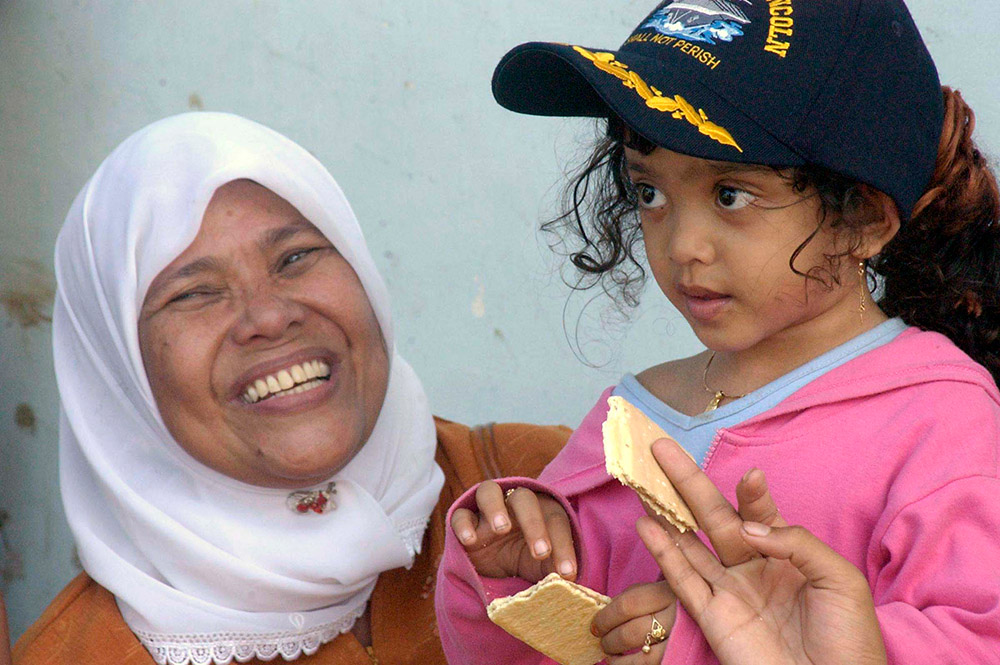 local-woman-and-her-child-expresses-appreciation.jpg