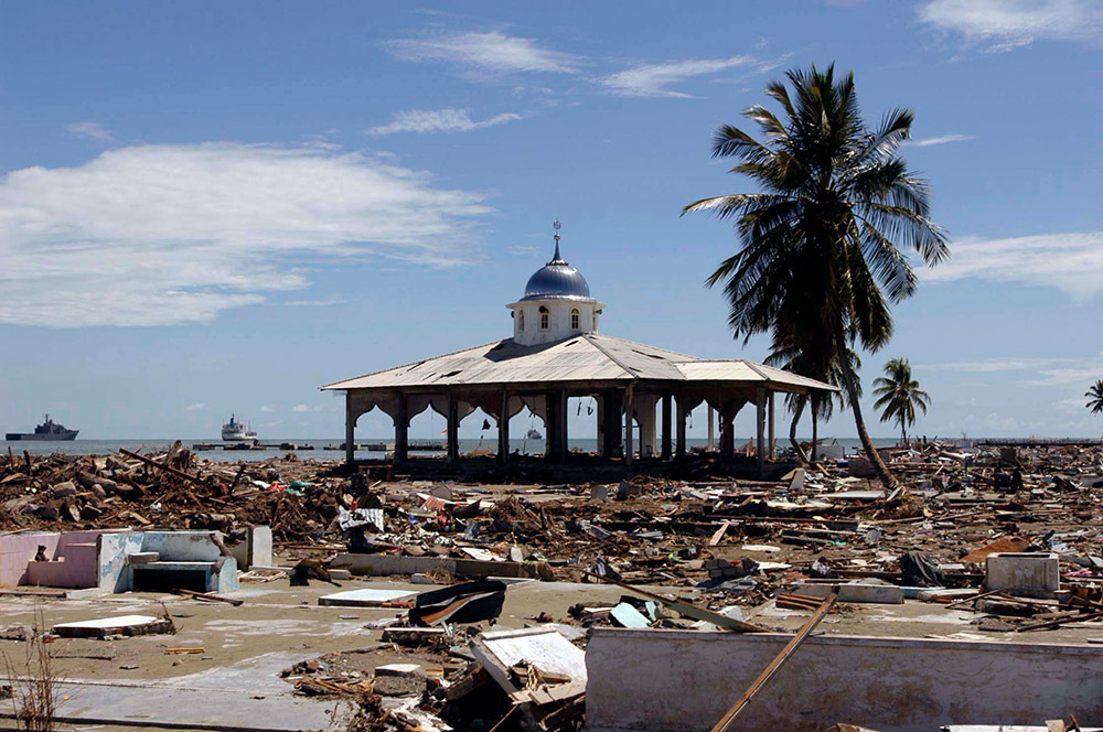 ruins-of-downtown-after-the-massive-tsunami.jpg