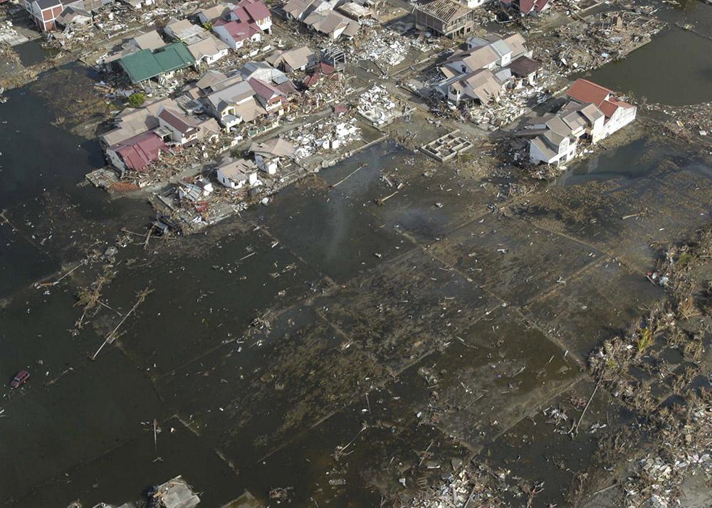 tsunami-sumatra-indonesia-aerial-view-distruction_011.jpg