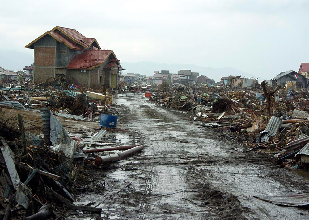 tsunami-which-destroyed-banda-aceh,-sumatra.jpg