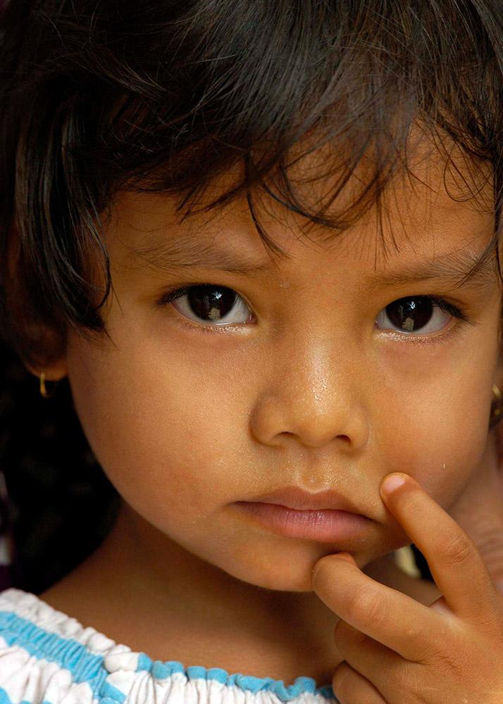 young-indonesian-girl-from-tsunami-hit-sumatra.jpg