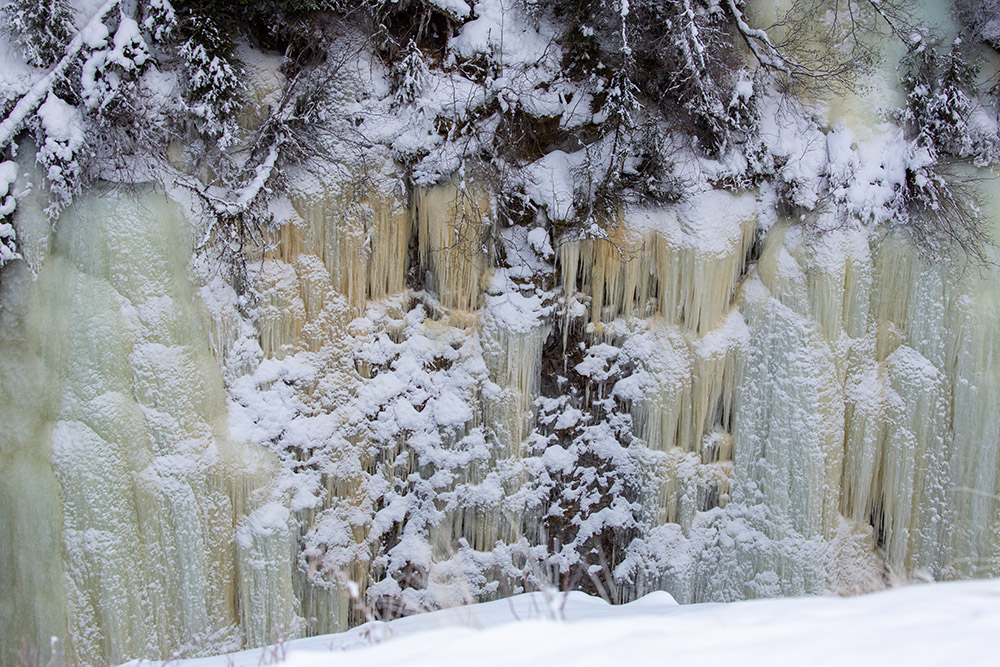 ice-snow-covered-ice-box-canyon-in-the-winter.jpg