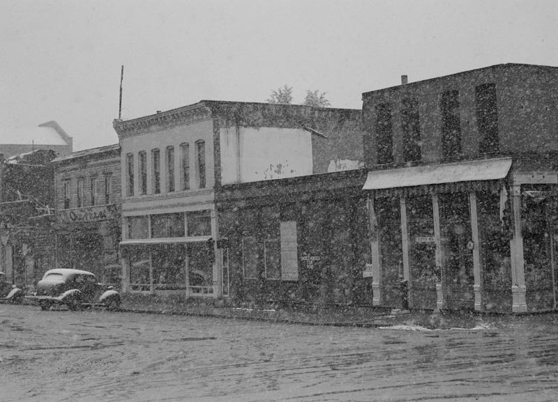 main-street-in-blizzard-aspen-colorado.jpg