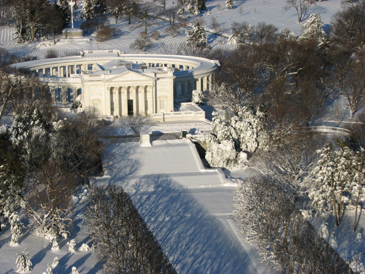 snow-blankets-the-tomb-of-the-unknowns-at-arlington-national-cemetery-002-photo.jpg
