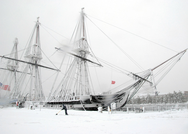 snow-in-front-of-uss-constitution.-constitution-is-the-world's-oldest-commissioned-warship-afloat-045-photo.jpg