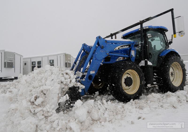 tractor_removing_snow_88.jpg