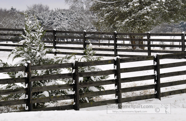 wooden_fence_with_snow_on_ground_271.jpg