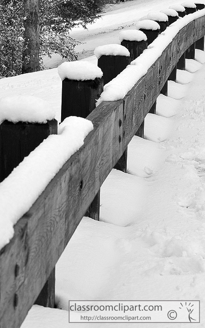 bw_snow_covered_fence.jpg